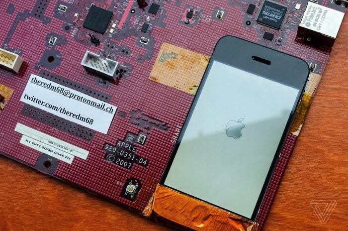 Cận cảnh nguyên mẫu đầu tiên của iPhone được thử nghiệm 1