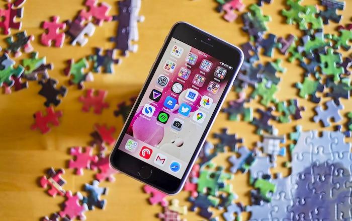 Thử so kè thời lượng pin của iPhone SE 2020 với các đàn anh tiềm nhiệm: Liệu phần thắng sẽ thuộc về ai? 1