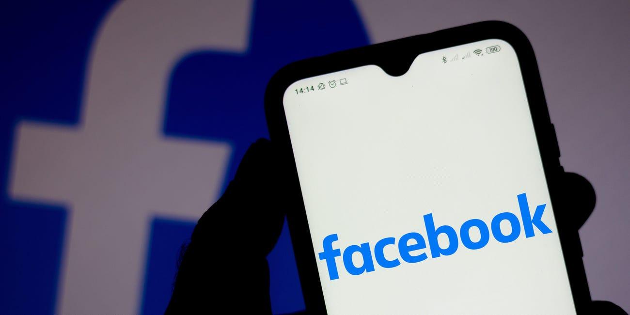 Cách đăng video lên Story Facebook.