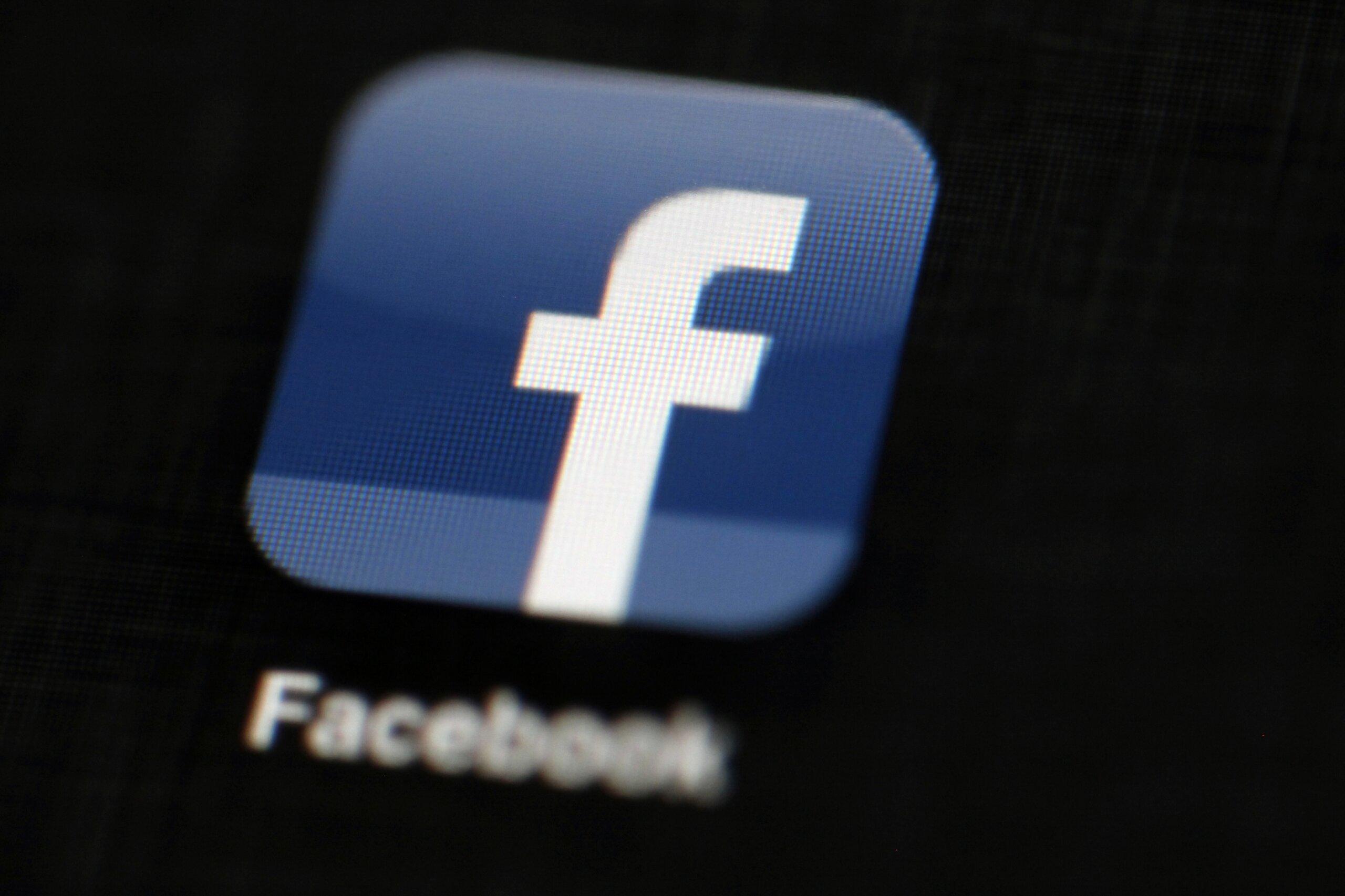 Stalk Facebook là gì, làm cách nào để tránh bị stalk? 10