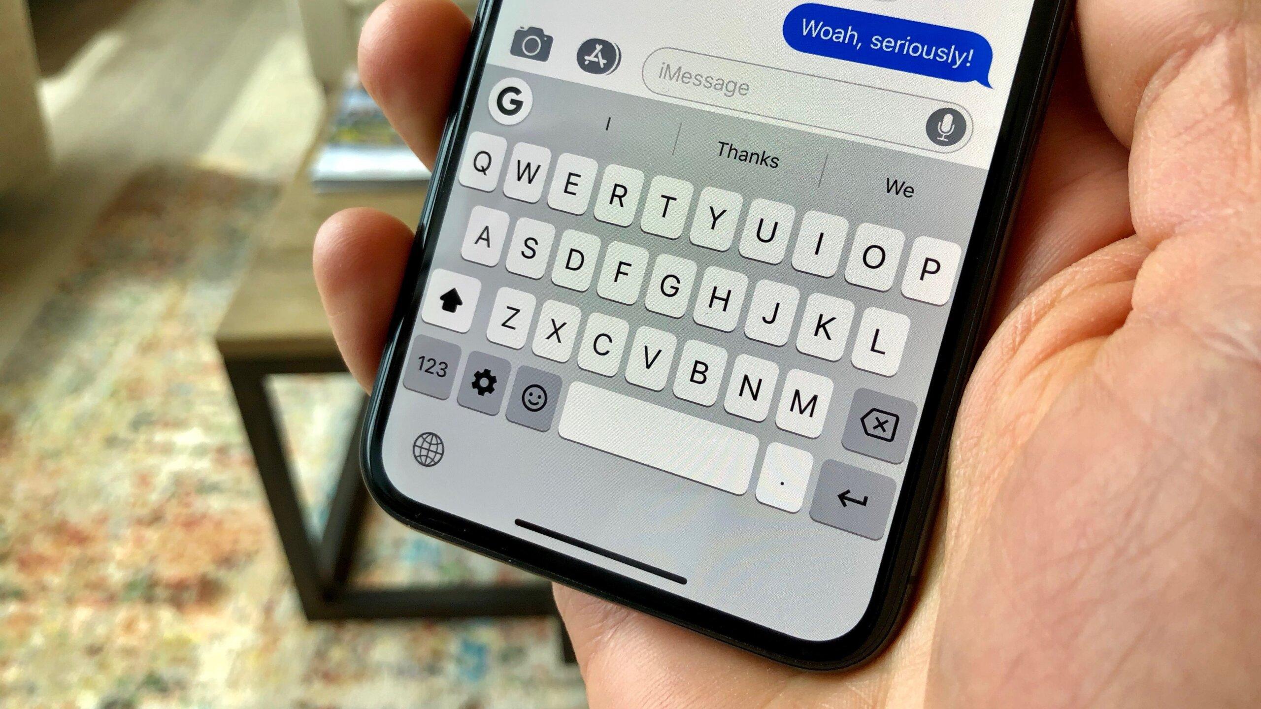 tat bieu tuong micro tren ban phim iphone